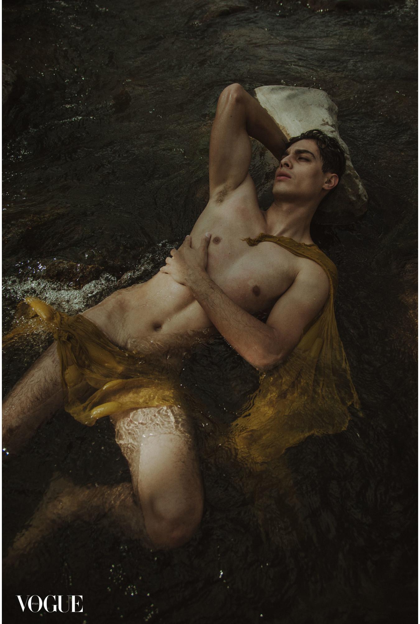 Hector, en test shoot con Jacobo Rios para Vogue Italia